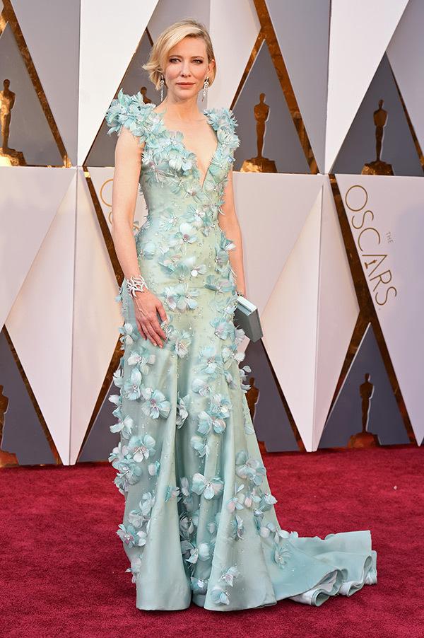 Charlize Theron, lindíssima de Dior